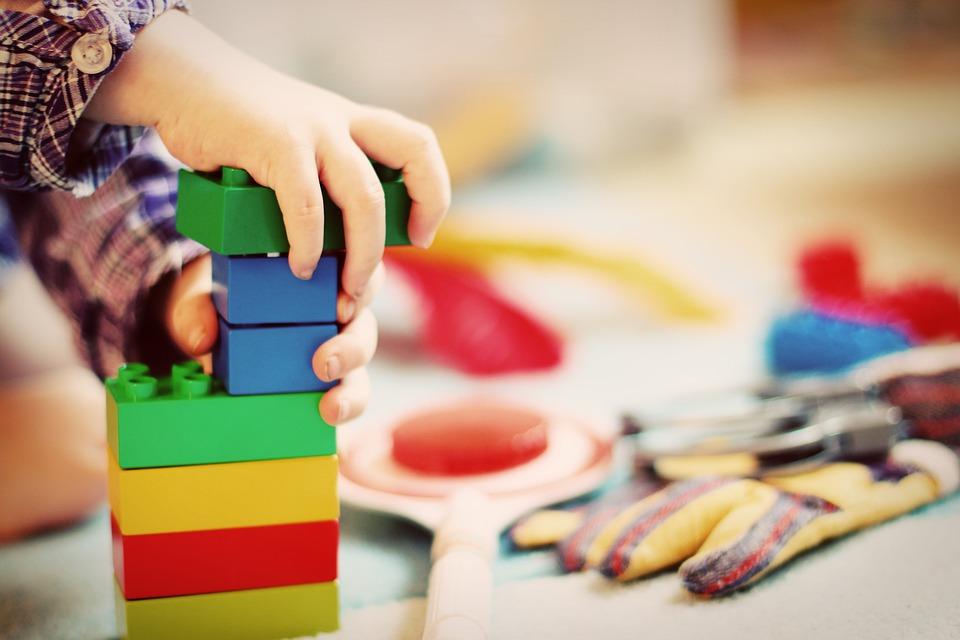 pourquoi enfant jouent ecolibris